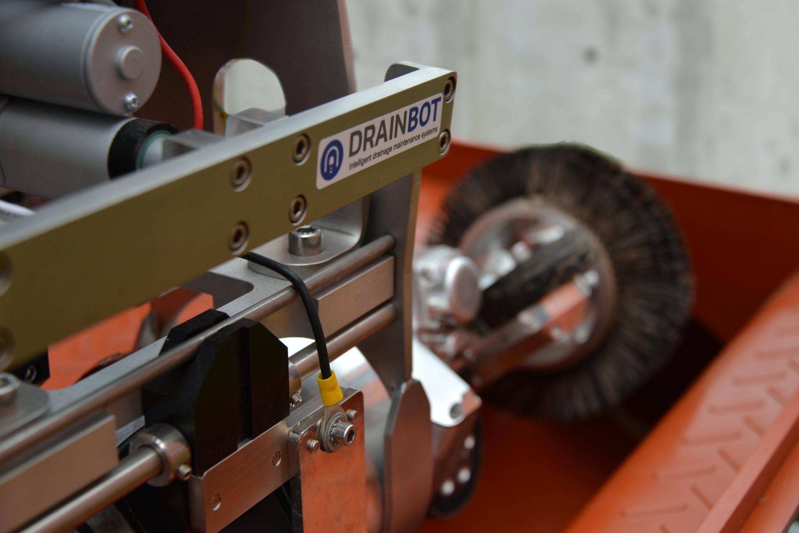 Mit 'DrainBot' werden die Tunneldrainagen mit einer enorm hohen Effizienz gereinigt, ohne dabei einen großen Einfluss auf die Umwelt zu verursachen (Credit: DrainBot)